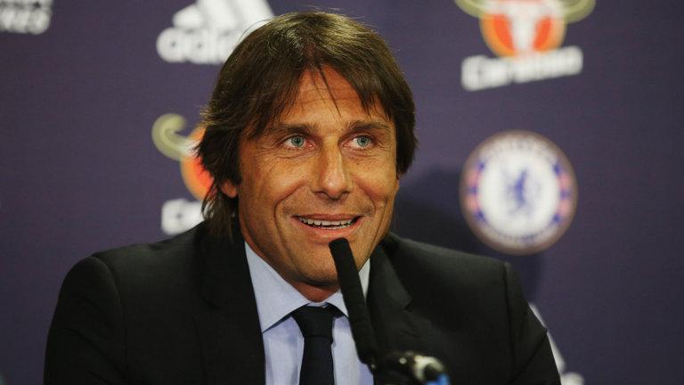 Antonio Conte telah mengatakan kepada Sir Alex Ferguson untuk tidak menulis peluang harapan Chelsea meraih gelar juara