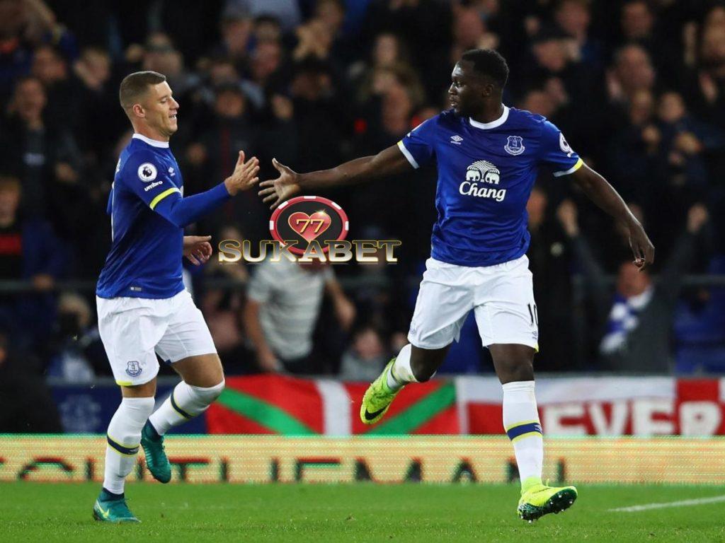 Lukaku dan Ross Barkley Membawa Everton Kembali Ke Jalur Kemenangan