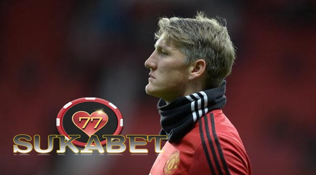 Bos Bayern Muenchen Sarankan Bastian Schweinsteiger Tinggalkan MU