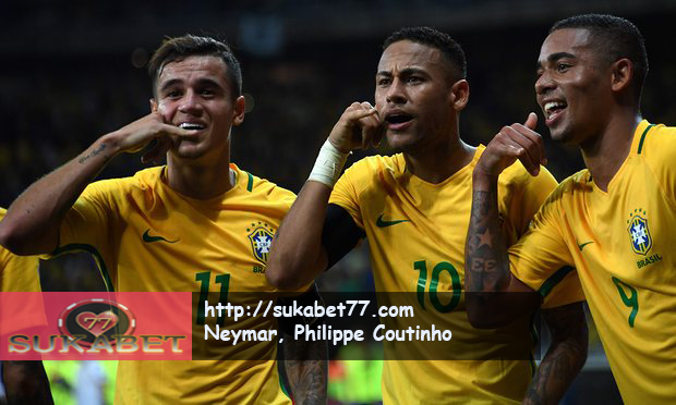 Neymar dan Coutinho Antar Brasil Hantam Argentina 3-0