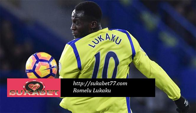 Romelu Lukaku menegaskan keputusan telah dibuat 'atas kontak baru Everton