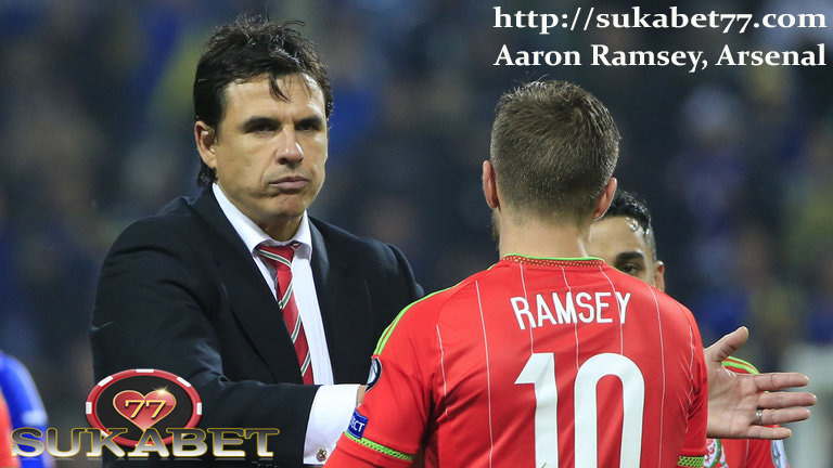 Chris Coleman senang mengikuti jejak Arsenal atas Aaron Ramsey