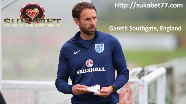 Gareth Southgate adalah favorit untuk menjadi bos permanen Inggris, kata Wayne Rooney
