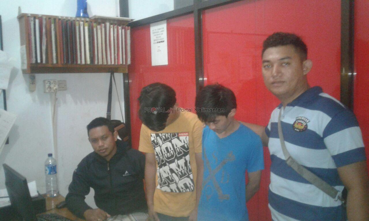 Untuk Bermain Poker Online Dua Pemuda Mencuri HP!!!