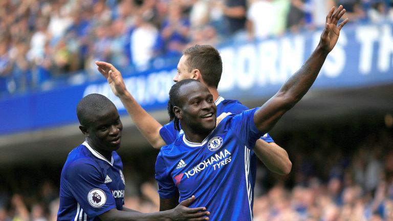 'Menikmati' peran bek sayap Chelsea Victor Moses di bawah Antonio Conte