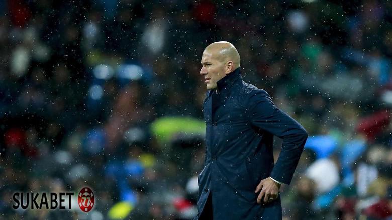 Zidane Proses Ada Krisis di Madrid