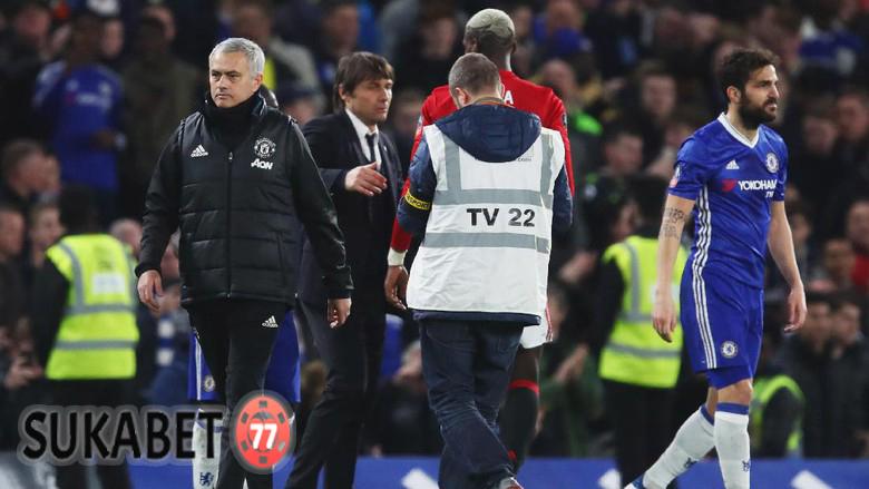 Penyebab Mourinho Tidak Bersalaman Dengan Conte Usai Pertandingan