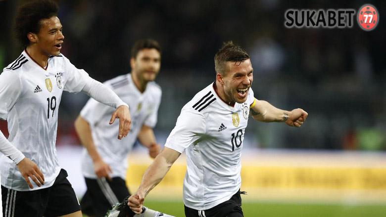Lukas Podolski Membawa Kemenangan Jerman Dengan Gol Perpisahan