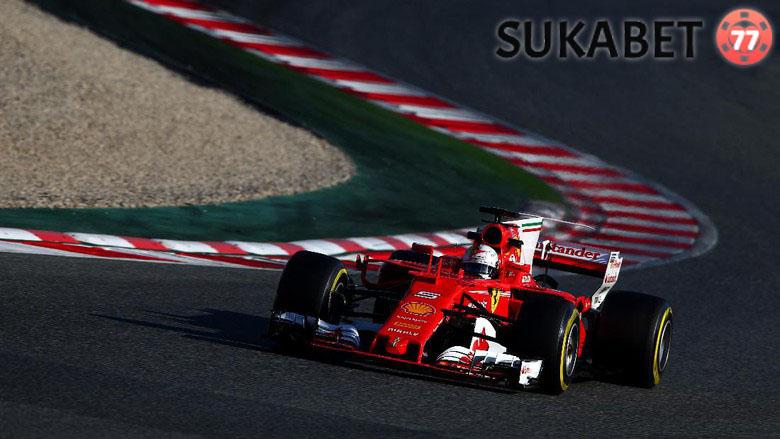 Hamilton Sebut Ferrari Adalah Favorit di 2017