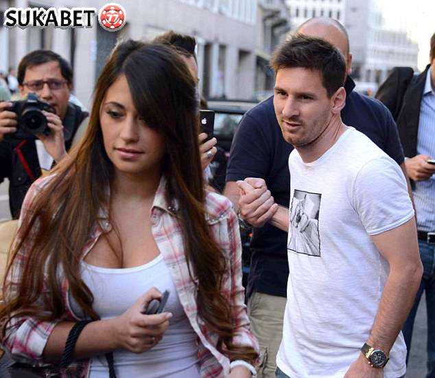 Dunia Menanti Pernikahan Megah Messi dan Antonella