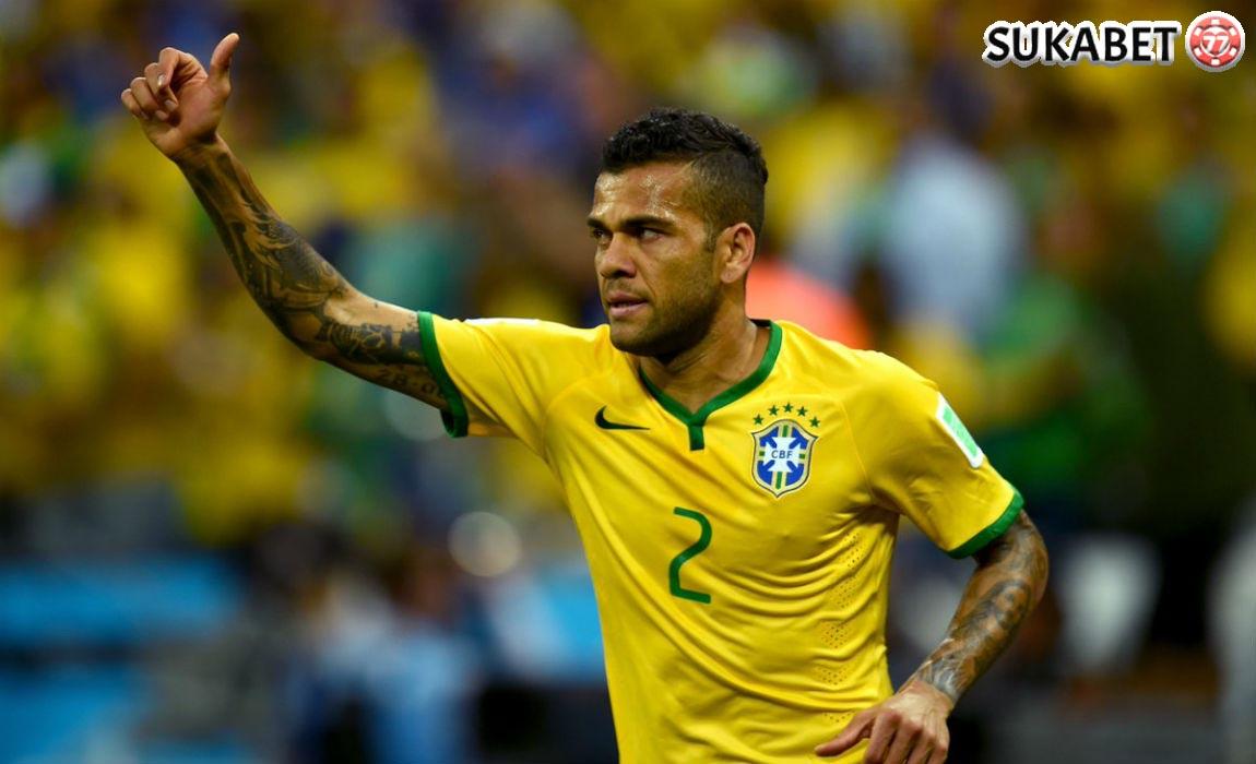 Isu Dani Alves Akan Pindah Ke PSG
