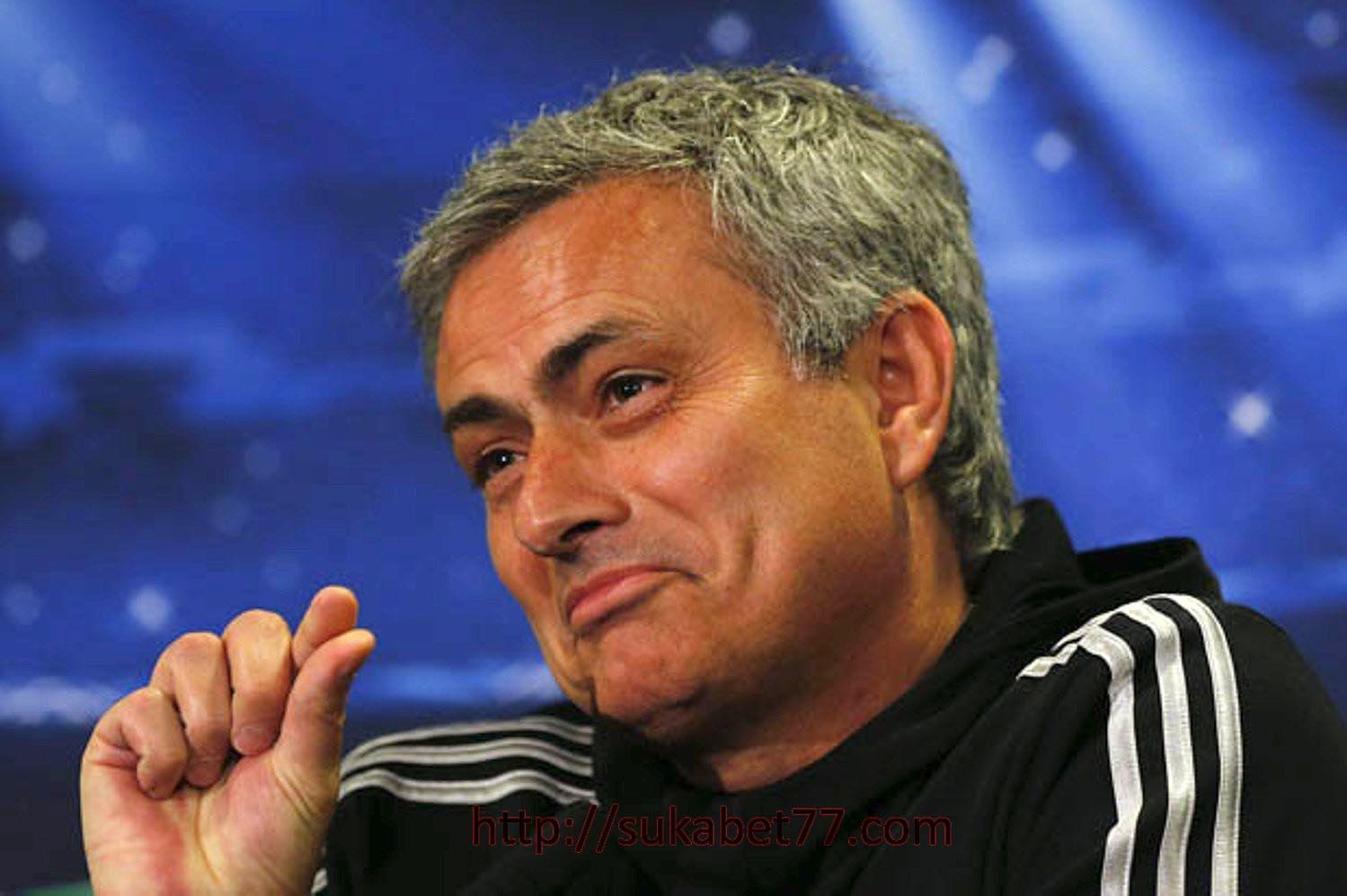 Mourinho : Tidak Mengeluh Hanya Kurang 1 Pemain