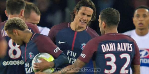 Dani Alves Tidak Senang Namanya Di Ikutkan Dalam Hal Kontroversional