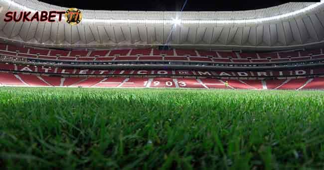Keluhan Manajer Barcelona Akan Rumput Yang Panjang