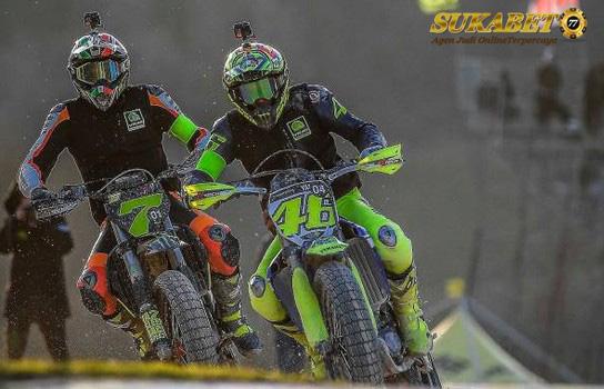 Rossi Kalah Bersaing Dari Franco Morbidelli Diajang Motocross