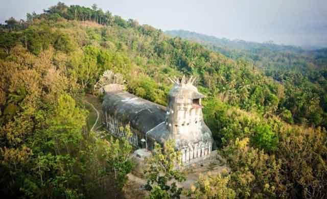 Gereja Ayam Yang Masih Menjadi Misteri