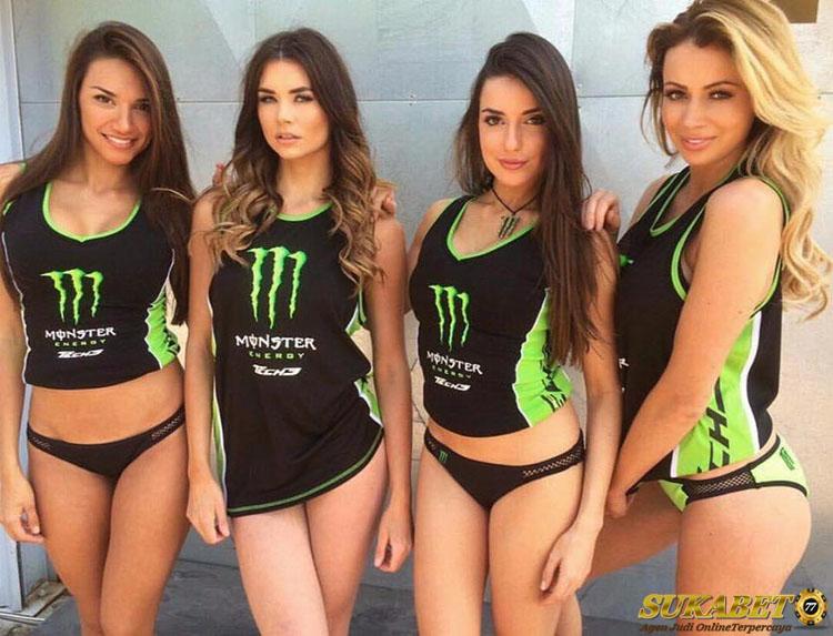 Tidak Memakai Grid Girl Di F1 Tapi Sebagai Model Di Paddcok
