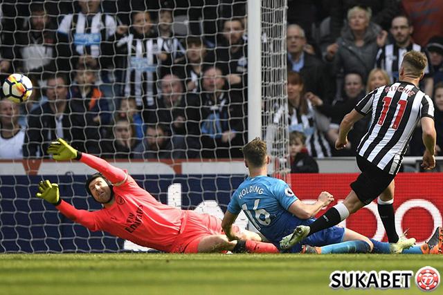 Lewat Skor Tipis, Newcastle United Sukses Permalukan Arsenal