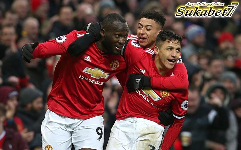 Lukaku-Sanchez Bawa United Meraih Hasil Positif Atas Swansea