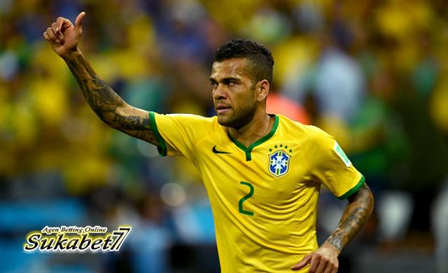 Dani Alves Absen Akibat Cedera, Neymar Siap Perkuat Timnas Brasil