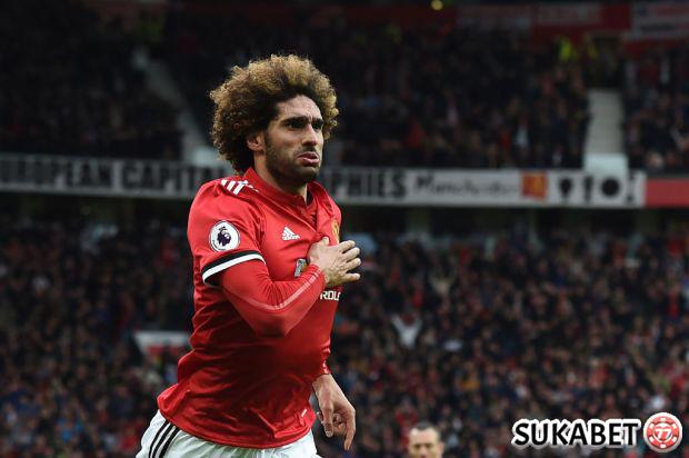 Marouane Fellaini Putuskan Bertahan Di Manchester United