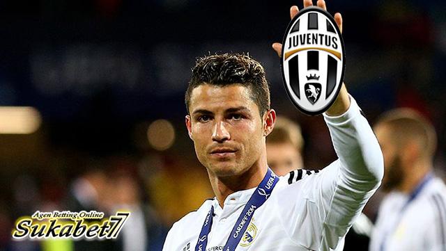 Cristiano Ronaldo Resmi Berlabuh Ke Juventus Mulai Musim Ini