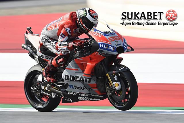 Kalahkan Marc Marquez, Jorge Lorenzo Juara Di GP Austria
