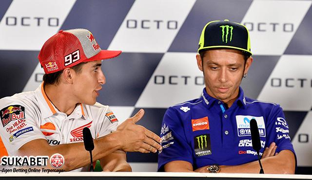 Jabat Tangan Marquez Ditolak Rossi Di Depan Umum