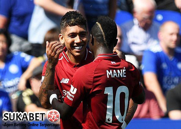 Kebobolan Akibat Blunder, Liverpool Tetap Menang Atas Leicester