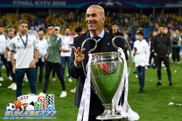 Dua Klub Besar Eropa Berebut Tanda Tangan Zinedine Zidane