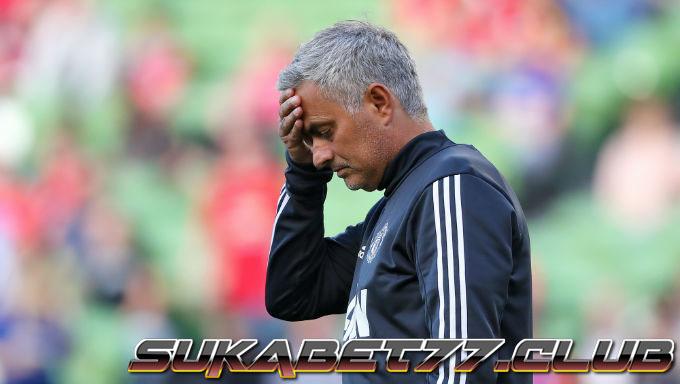 Manchester United Ucapkan Selamat Tinggal Pada Mourinho