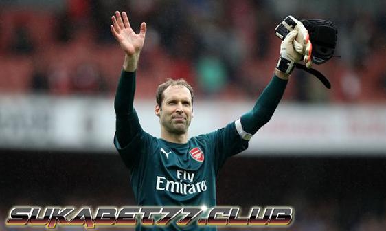 Petr Cech Akhiri Karirnya Bersama Arsenal