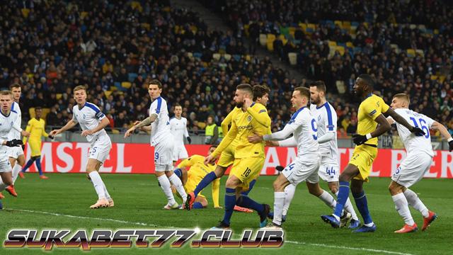 Giroud Cetak Tiga Gol Untuk Chelsea